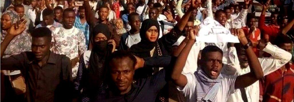 Sudan: i rivoluzionari esortano l'esercito a unirsi al popolo