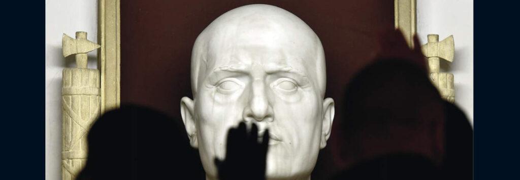 Libri contro il fascismo: Mussolini campione di bluff