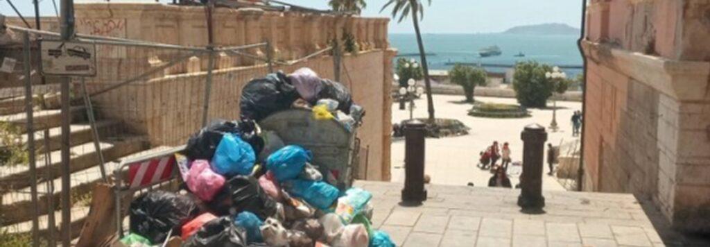 Cagliari, ovvero come perdersi in un bicchiere di rifiuti