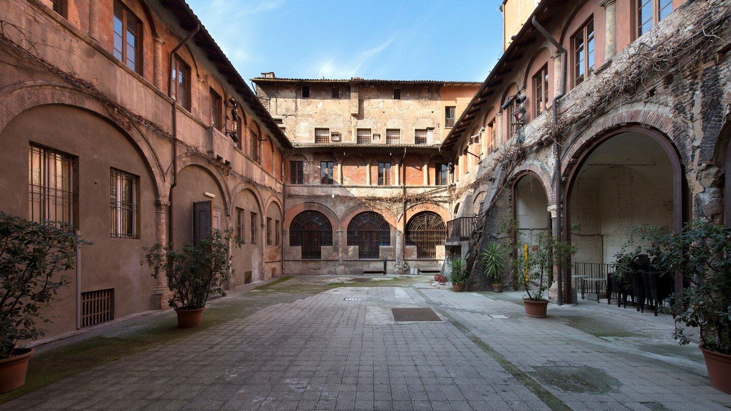 In Chiostro e dintorni: la rassegna oltre il Teatro che riscrive Bologna
