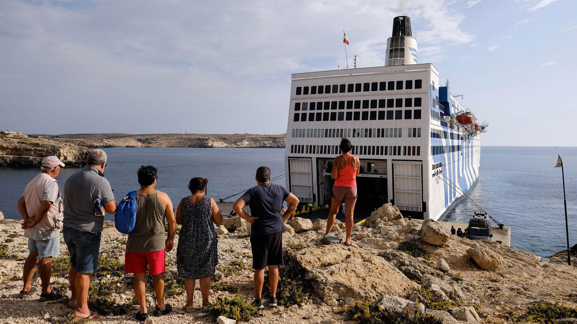 A Lampedusa si torna indietro di dieci anni sull'immigrazione