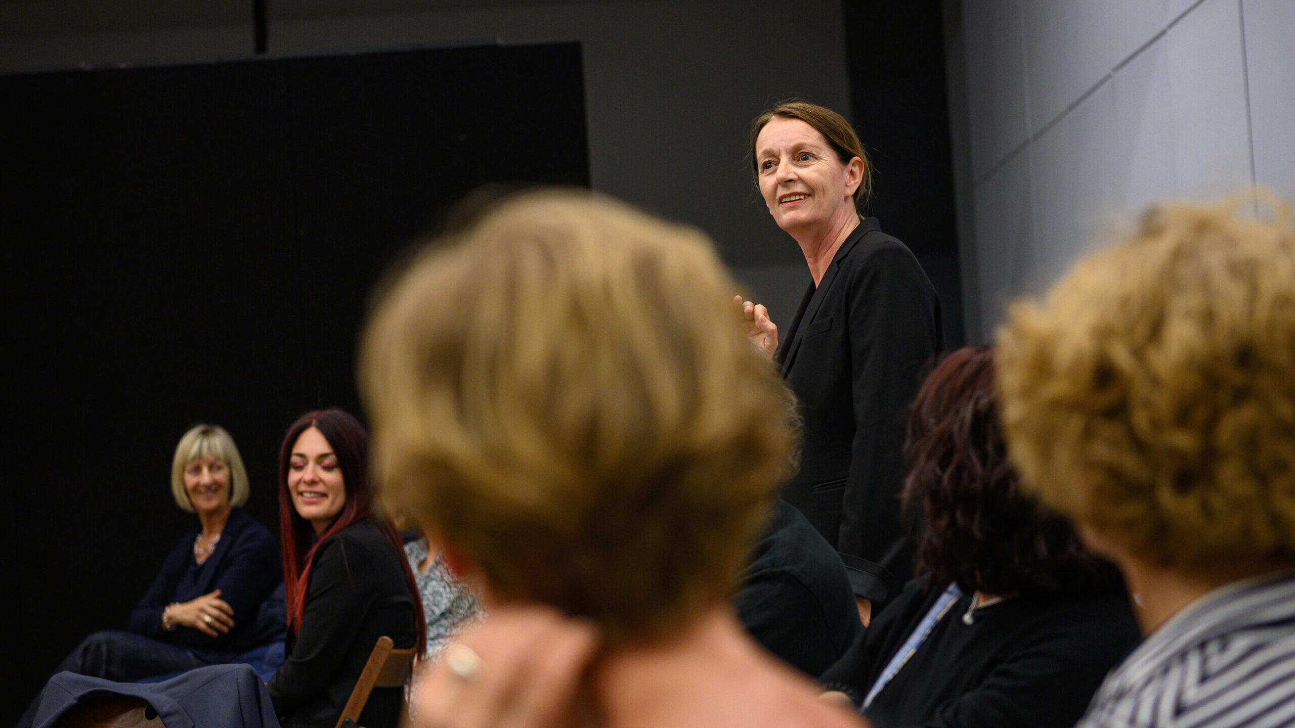 Il Coraggio della Bellezza: quando il Teatro delle buone pratiche si moltiplica. Una conversazione con Elena Di Gioia