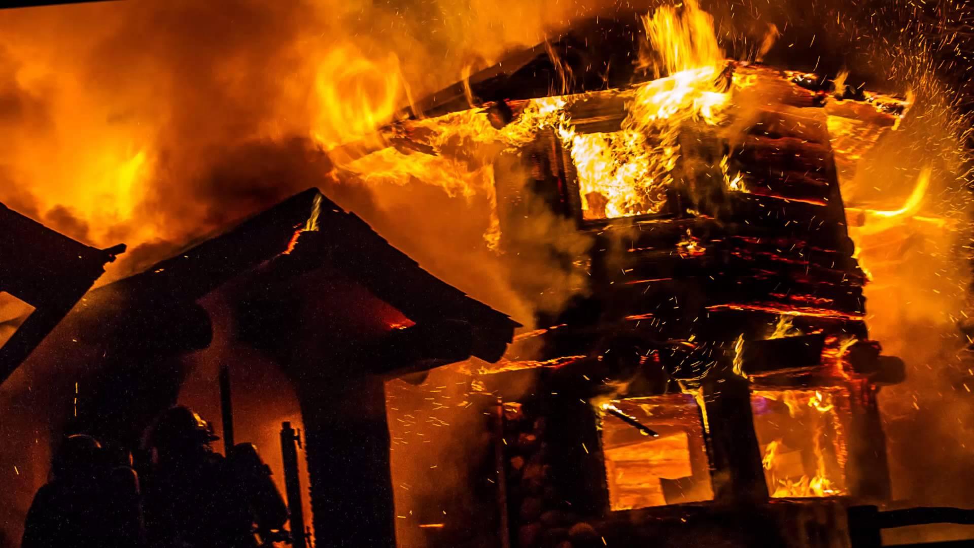 America in fiamme: 15 morti. In Oregon evacuati in 500mila. Trump vara stato d'emergenza