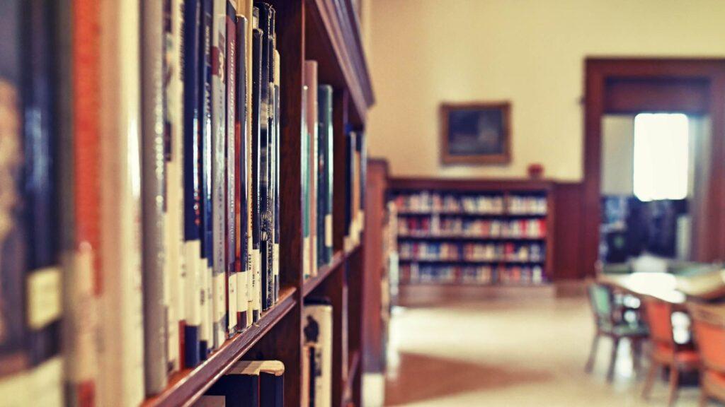 """Dpcm, I libri sono """"beni essenziali"""" e le biblioteche chiudono?"""