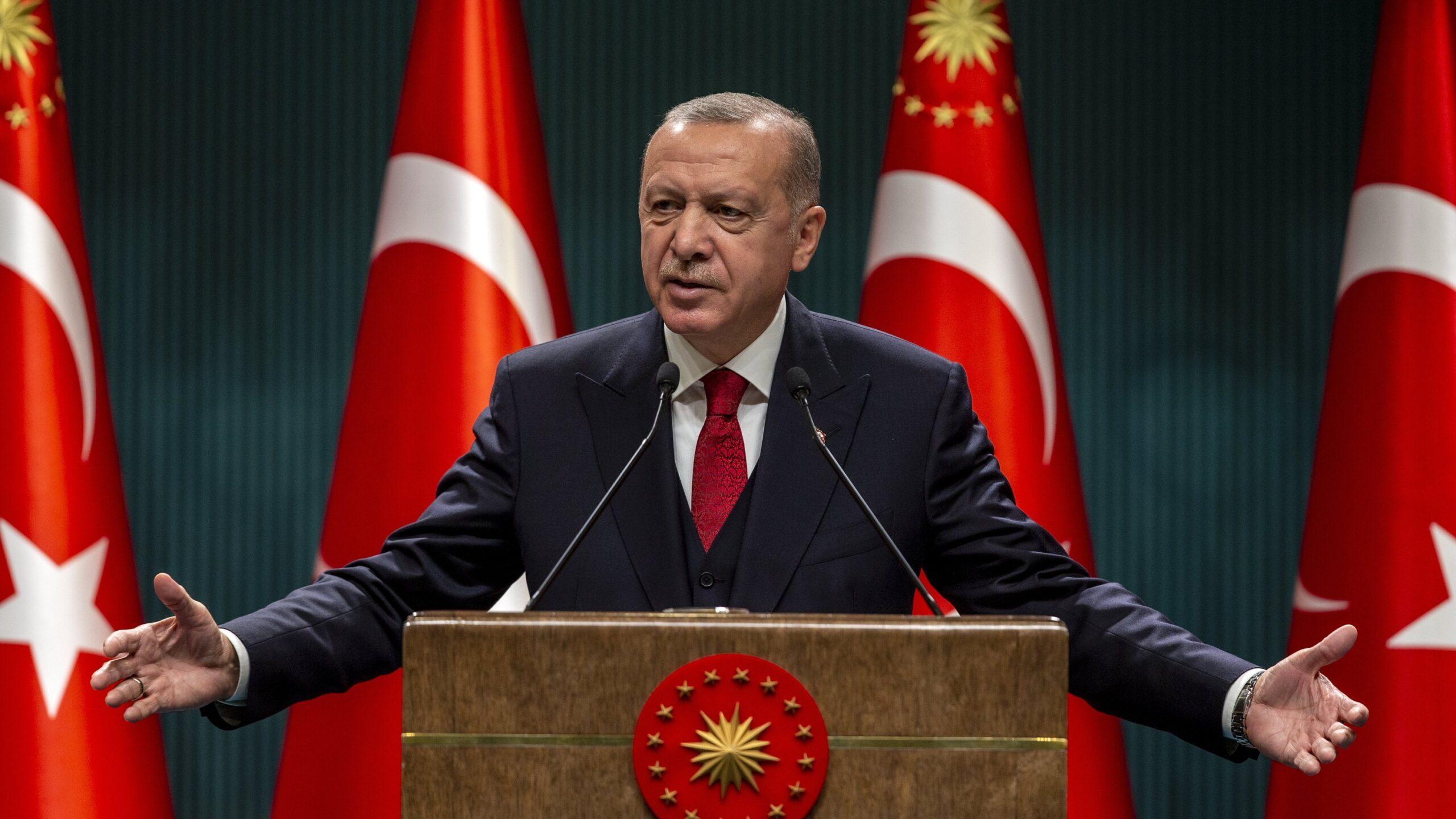 Orfano di Trump, il presidente turco corteggia l'Unione europea