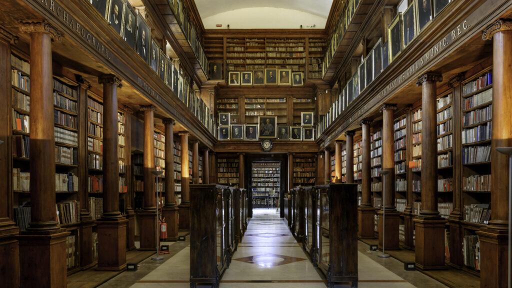 I paradossi delle biblioteche proibite, dove entrano soltanto pochi eletti
