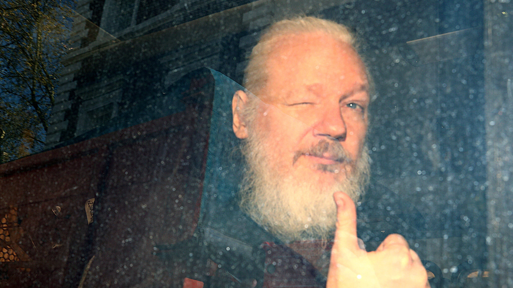 Una vittoria a metà per Julian Assange