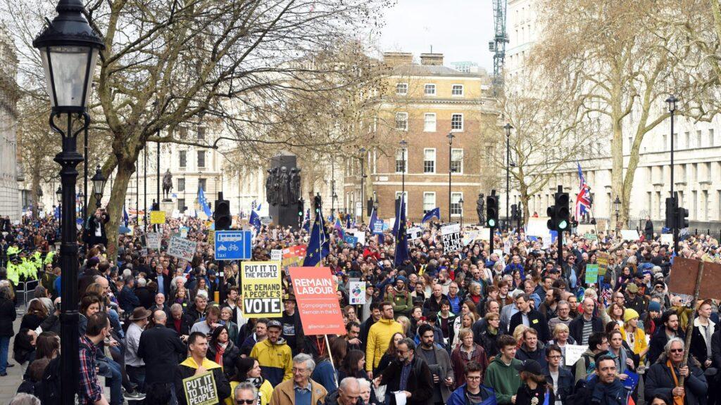 Solo i movimenti salveranno la politica