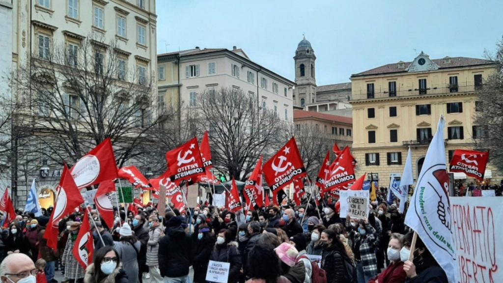 I diritti delle donne sotto attacco, in Umbria e nelle Marche