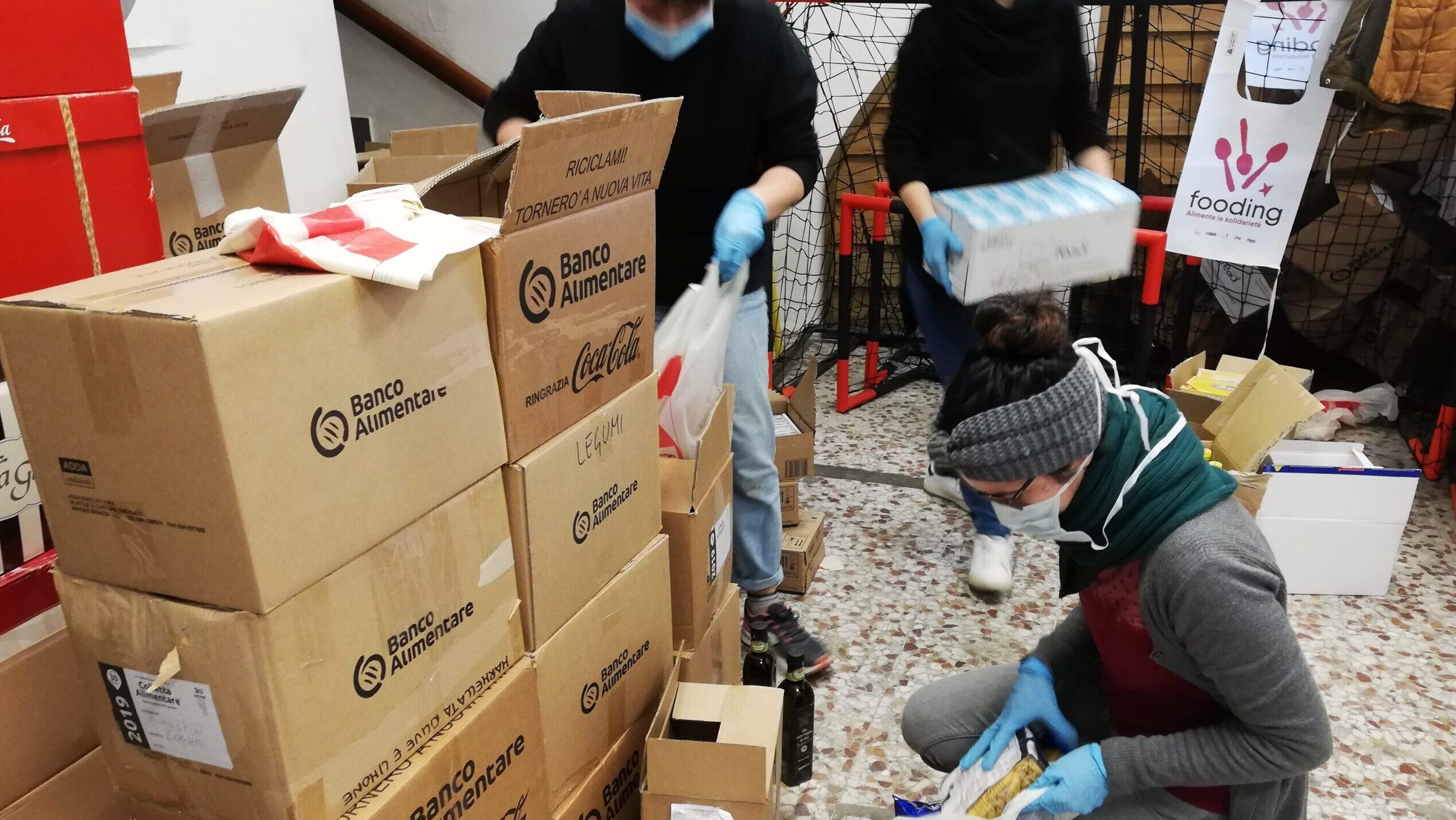 Le reti solidali riempiono il vuoto lasciato dallo stato in Italia