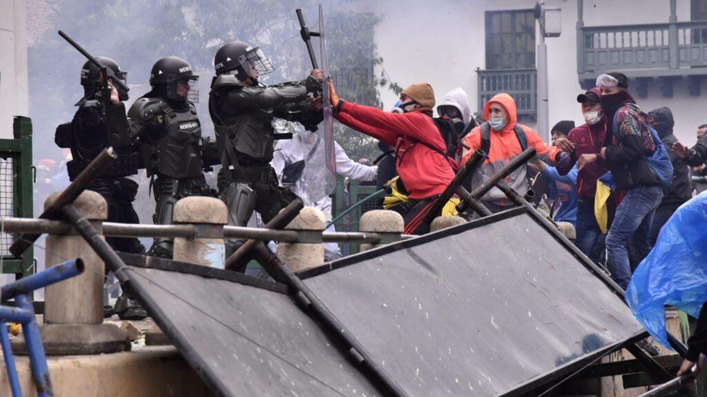 La repressione nella Colombia che si ribella