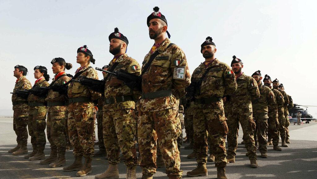 Afghanistan, gli italiani vanno via, le stragi restano