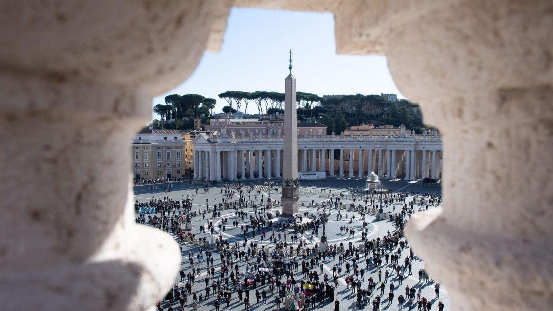 L'Angelus del Papa e il silenzio della politica